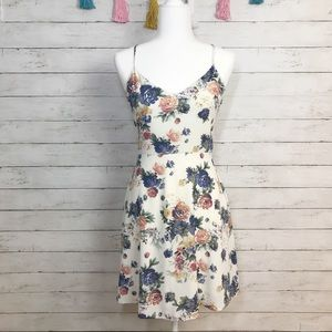 Honey Punch Cream Floral Skater Dress Size Small